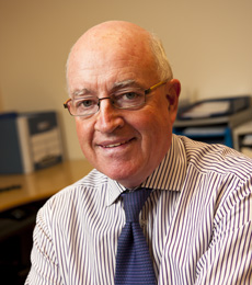 Dr Peter Kelly